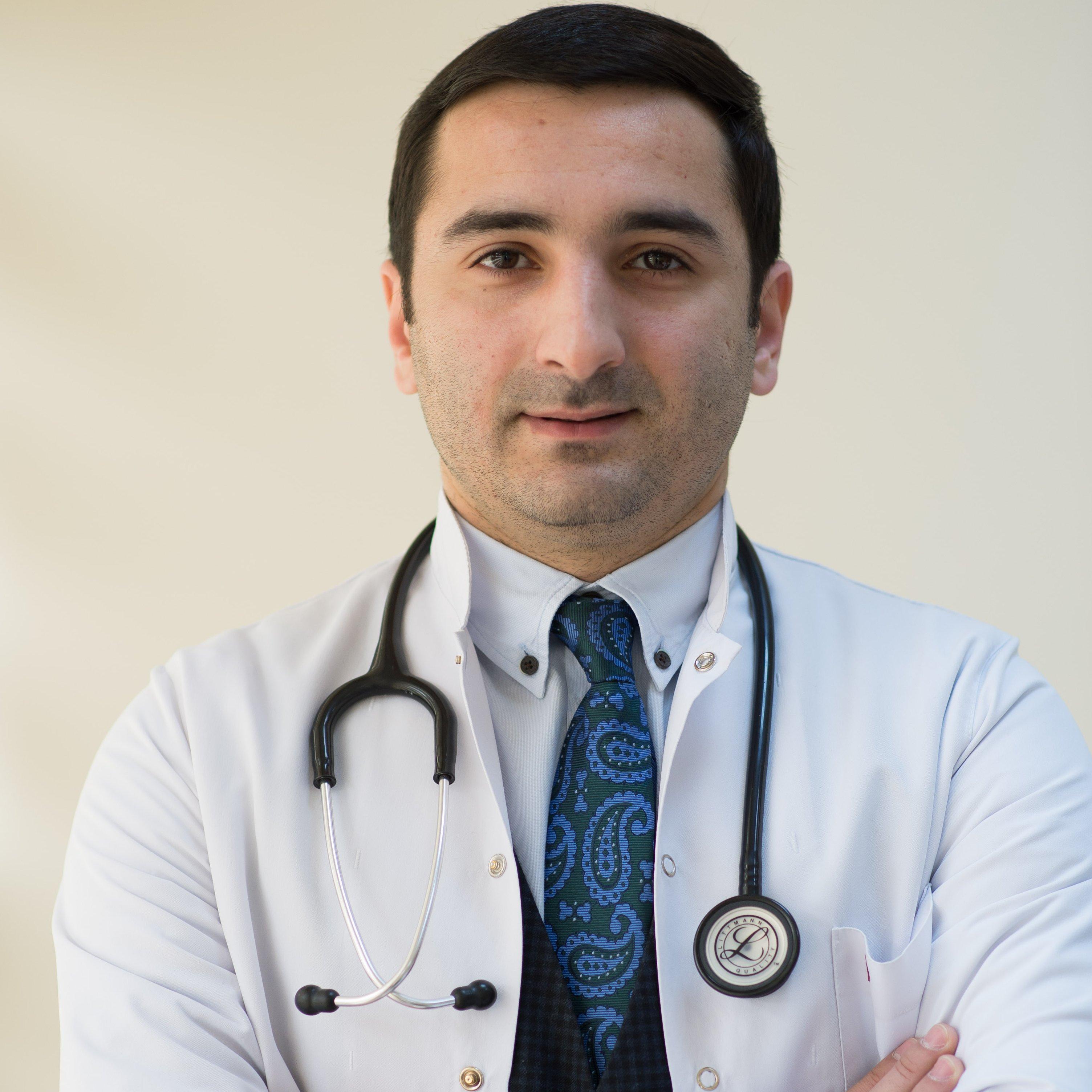 Dr.Rövşən Həsənov
